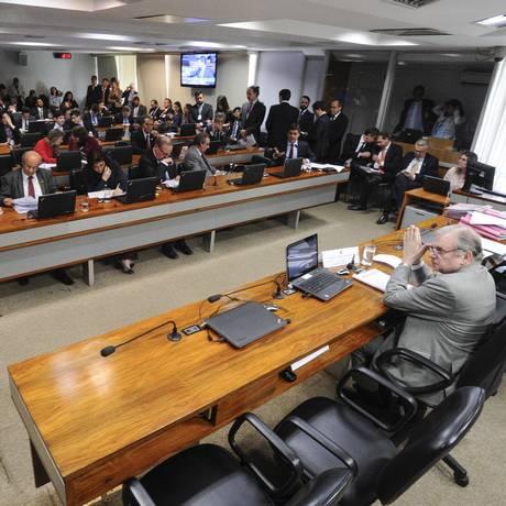 A Comissão de Assuntos Econômicos (CAE) vota projeto que estabelece regras de proteção de dados pessoais Foto: Edilson Rodrigues / Agência Senado