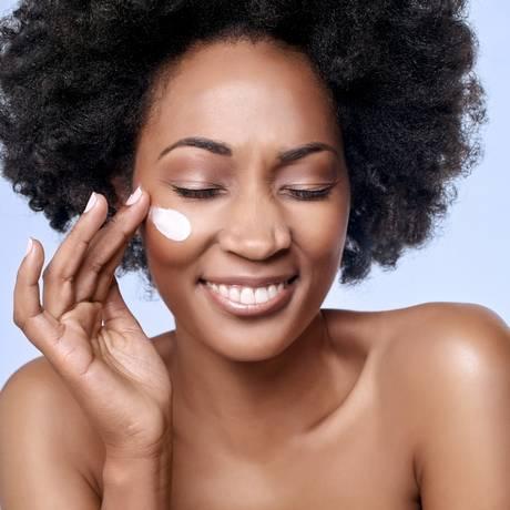 Ácido mandélico: um dos mais indicados para pele negra no inverno Foto: Shutterstock