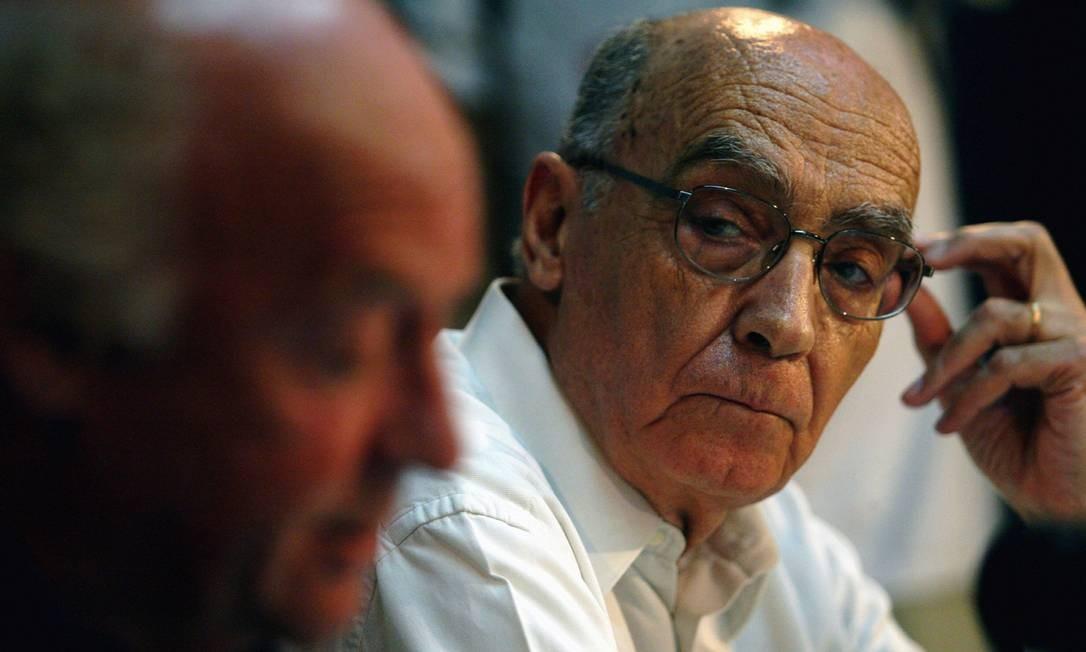 José Saramago, em 2005: diário inédito do autor foi encontrado em uma pasta de seu computador Foto: Custódio Coimbra / Agência O Globo