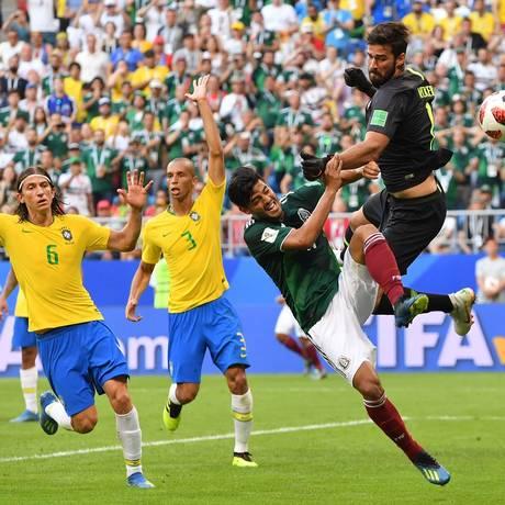 O goleiro Alisson no jogo contra o México Foto: Emmanuel Dunnad / AFP