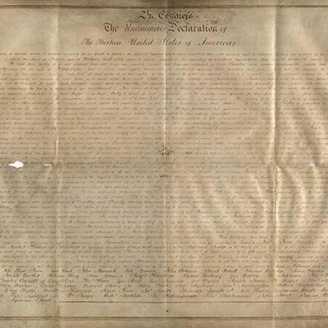 Este é um dos dois únicos manuscritos da Declaração de Independência americana em pergaminho Foto: Universidade Harvard