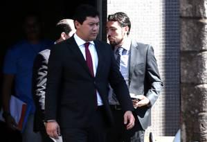 Helton Yomura, saindo da Superintendência da PF Foto: Ailton de Freitas / Agência O Globo