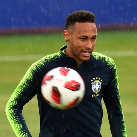Participação de Neymar na Copa pode deixá-lo ainda mais valorizado Foto: SAEED KHAN / AFP