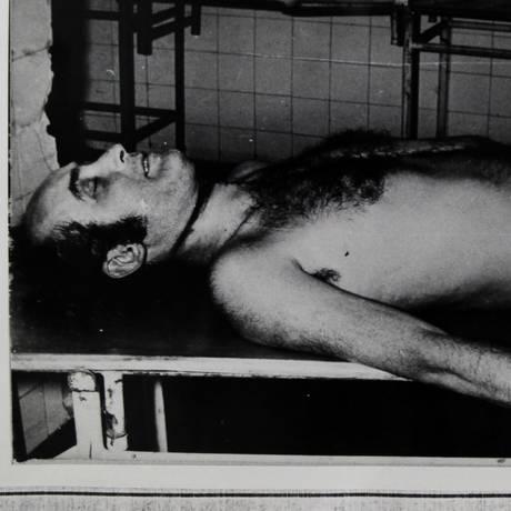 O jornalista Vladimir Herzog, após ser torturado e assassinado por agentes do Regime Militar Foto: Reprodução
