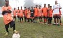 Jovens craques.Time do Projeto Show de Bola, integrado por pequenos atletas da comunidade da Fazendinha, em Pendotiba Foto: Roberto Moreyra