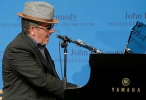 Elvis Costello: câncer pequeno, mas muito agressivo, pode ser retirado em uma única cirurgia Foto: Reuters / Reuters