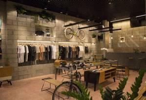 A loja da Itsu no BarraShopping tem decoração minimalista e variedade de produtos Foto: Emily Almeida / Agência O Globo