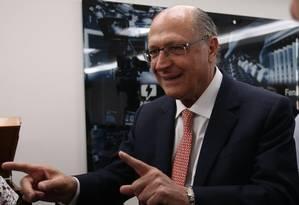 O pré-candidato do PSDB à Presidência, Geraldo Alckmin, durante encontro com membros da Abert Foto: Givaldo Barbosa/Agência O Globo/04-07-2018