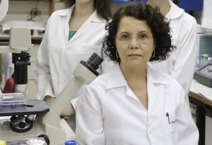 A cientista Clarissa Damaso considera que é dever do cidadão se vacinar Foto: Marcelo Carnaval / Agência O Globo