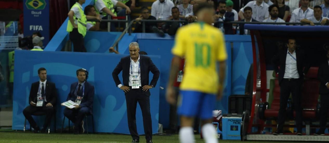 O técnico Tite na derrota para a Bélgica, nas quartas de final da Copa Foto: Alexandre Cassiano / Agência O Globo