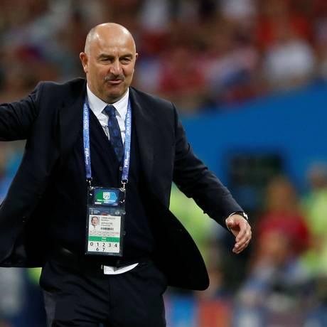 Stanislav Cherchesov: ex-goleiro fez um bom trabalho como treinador da Rússia nesta Copa do Mundo Foto: CARL RECINE / REUTERS