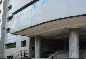 Sede do Tribunal Regional Federal da 4ª Região (TRF-4), com sede em Porto Alegre: desembargador de plantão expediu habeas corpus em favor de Lula Foto: Fotoarena / Agência O Globo