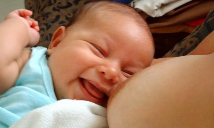 Posicionamento americano contra amamentação entra em conflito com estudos que mostram os maiores benefícios do leite materno Foto: Free Images