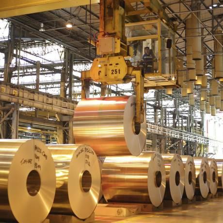 Laminados. A Novelis, controlada pelo grupo indiano Aditya Birla, tem no Brasil o maior centro de reciclagem de latas de alumínio da América do Sul: receita de US$ 6 bilhões Foto: Divulgação