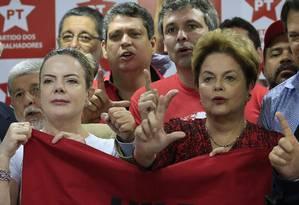 Gleisi Hoffmann, Dilma Rousseff, Lindbergh Faria participam de reunião do conselho politico do PT em São Paulo Foto: Edilson Dantas / Agência O Globo