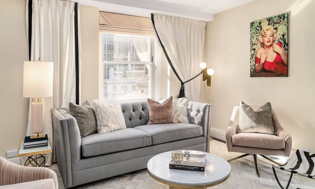 Detalhe do quarto, com quadro de Marilyn Monroe Foto: Lexington Hotel / Reprodução
