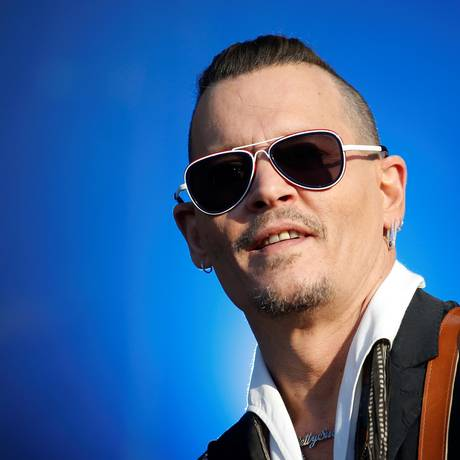 Johnny Depp toca com a banda Hollywood Vampires em festival de rock na França Foto: STEPHANE MAHE / REUTERS