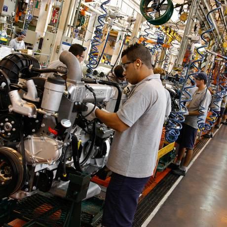 Fábrica de veículos: produção industrial caiu 10,9% em maio