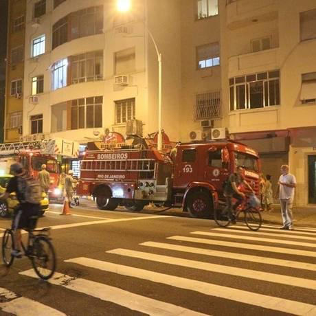 Bombeiros foram acionados para controlar o incêndio Foto: Reprodução/Fernando Ávila