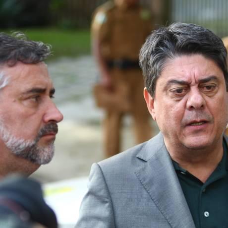 Os deputados petistas Wadih Damous (RJ) e Paulo Pimenta (RS), à esq. Foto: FRANKLIN DE FREITAS / AFP