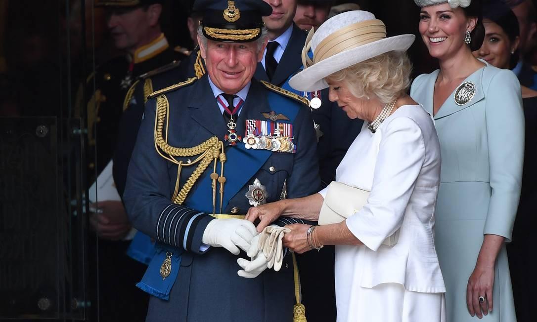 O príncipe Charles com Camilla Parker-Bowles CHRIS J RATCLIFFE / AFP