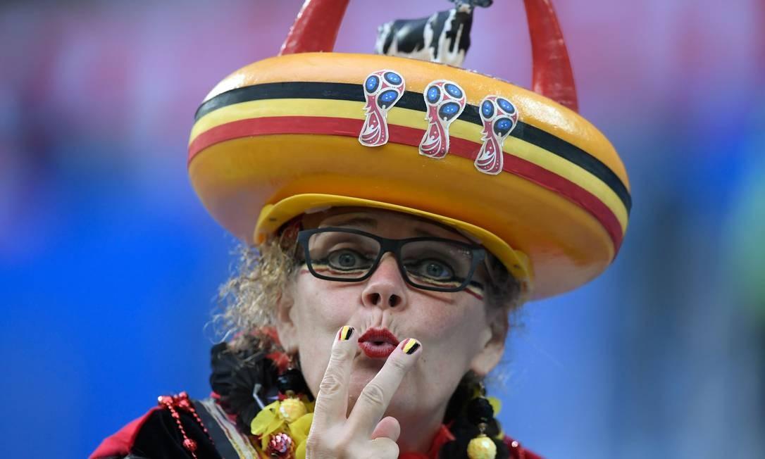 Torcedora belga no Estádio de São Petersburgo para a partida entre Bélgica e França, na primeira semifinal da Copa da Rússia 2018 Foto: GABRIEL BOUYS / AFP