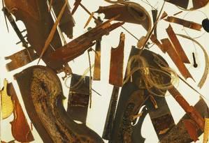 Casa Quintette, violinos e violoncelos em acrílico, obra de 1971 do artista franco-americano Arman (Armand Fernandez, 1928-2005) Foto: Agência O Globo