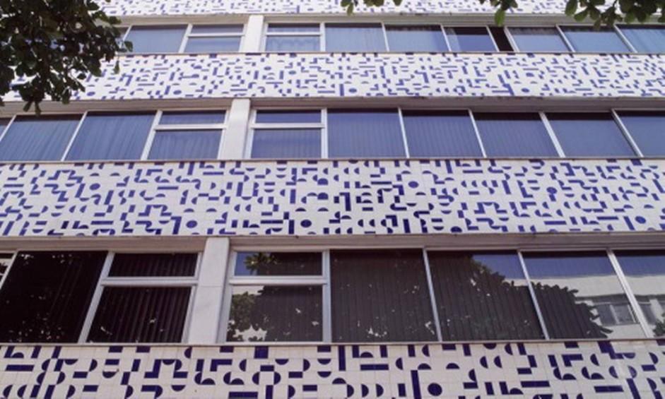 Padronagem em fachada de prédio residencial na Rua Cupertino Durão, no Leblon, Rio de Janeiro Foto: Fundação Athos / Divulgação