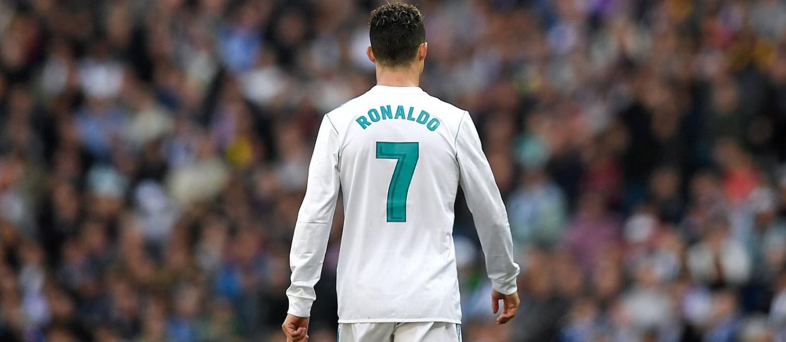 Cristiano Ronaldo deixa o Real Madrid após nove anos Foto  GABRIEL BOUYS    AFP 7ee79becda148