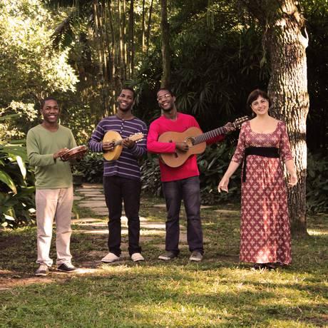 Lúcia Helena Weiss e Trio Julio Foto: Divulgação/Cyntia C.