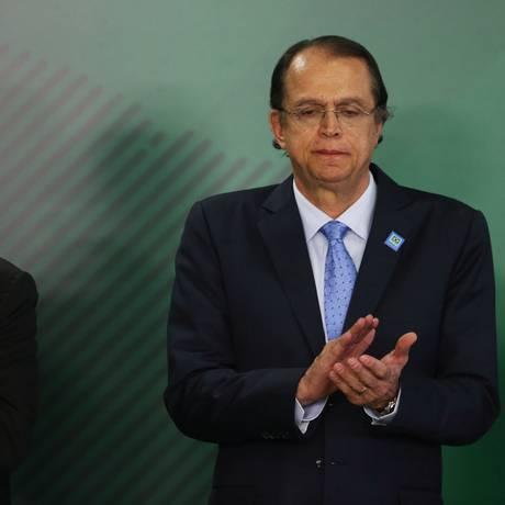 O presidente Michel Temer dá posse ao novo ministro do Trabalho, Caio Luiz de Almeida Vieira de Mello Foto: Givaldo Barbosa / Agência O Globo