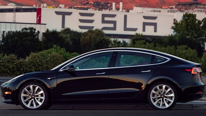 Tesla Model 3 Foto: Twitter / Reprodução