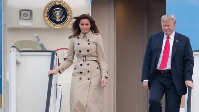Com a mulher, Melania, Trump desembarca em Bruxelas para a cúpula da aliança militar ocidental Foto: BENOIT DOPPAGNE / AFP