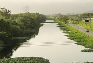 Canal de Sernambetiba. O estudo prevê loteamentos menores em área ainda pouco povoada de Vargem Grande Foto: Brenno Carvalho / Brenno Carvalho