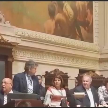Confusão entre o vereador Renato Cinco (PSOL) e Cesar Benjamin, que chamou o parlamentar de