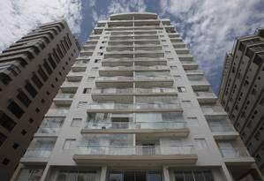 O edifício Solaris, no Guarujá Foto: Edilson Dantas / Agência O Globo