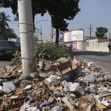 Segundo moradores, o problema é constante Foto: Agência O Globo / Guilherme Pinto