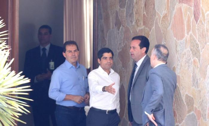 Resultado de imagem para fotos e imagens da reunião do centrão com alckmin