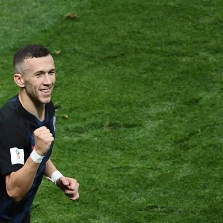 Perisic marcou o gol de empate da Croácia contra a Inglaterra Foto: JEWEL SAMAD / AFP