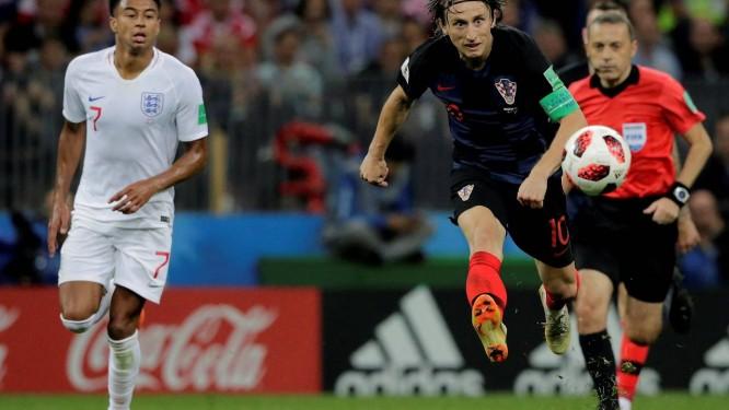 Luka Modric foi o mais influente jogador da Croácia contra a Inglaterra Foto: Marcelo Theobald / O Globo