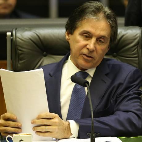 O presidente do Senado, Eunício Oliveira (MDB-CE), durante sessão Foto: Ailton de Freitas / Agência O Globo