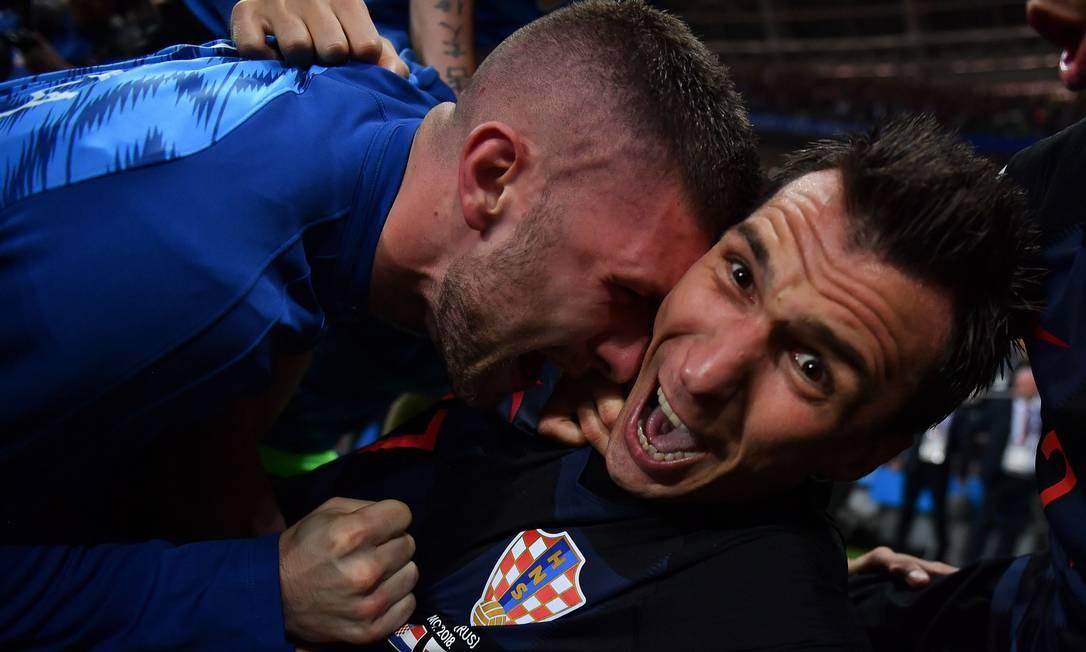 O gol marcado por Mario Mandzukic virou o jogo para a Croácia: o 2 a 1 colocou os eslavos na final da Copa Foto: YURI CORTEZ / AFP