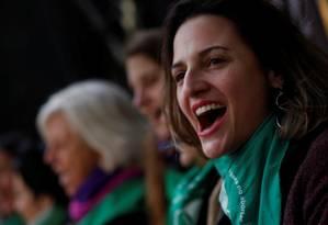 Mulher participa de manifesto a favor da legalização do aborto em Buenos Aires: projetos feministas ganham repercussão no Congresso da Argentina Foto: MARTIN ACOSTA / REUTERS/10-7-2018
