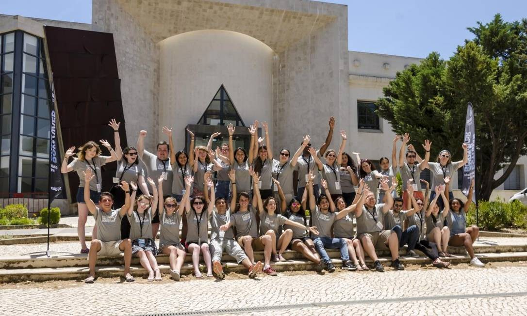Grupo de brasileiros na Universidade do Algarve Foto: Divulgação