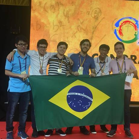 A equipe brasileira conquistou uma medalha de ouro, quatro de prata e uma menção honrosa Foto: Divulgação