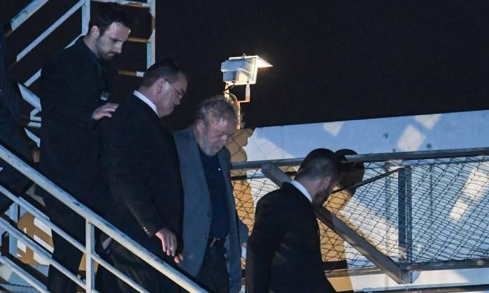 Lula chega a Cutitiba, apos ser preso 07/04/2018 Foto: MAURO PIMENTEL / AFP