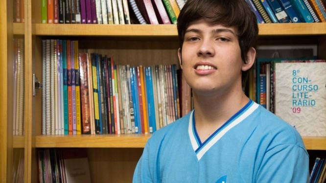 O estudante Luiz Vasconcelos Júnior: agora, ele se prepara para concursos como IME e ITA Foto: Emily Almeida