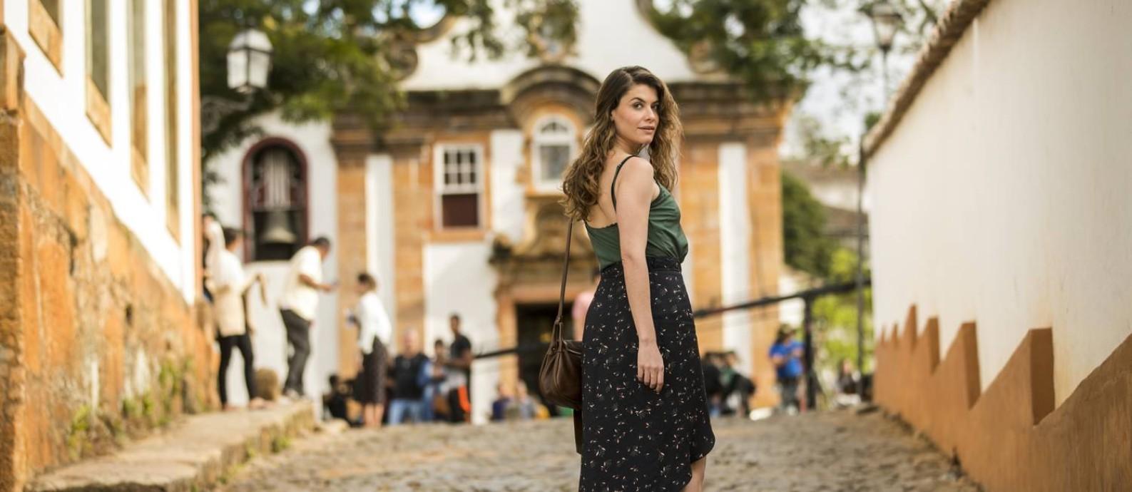 Alinne Moraes vive Isabel em