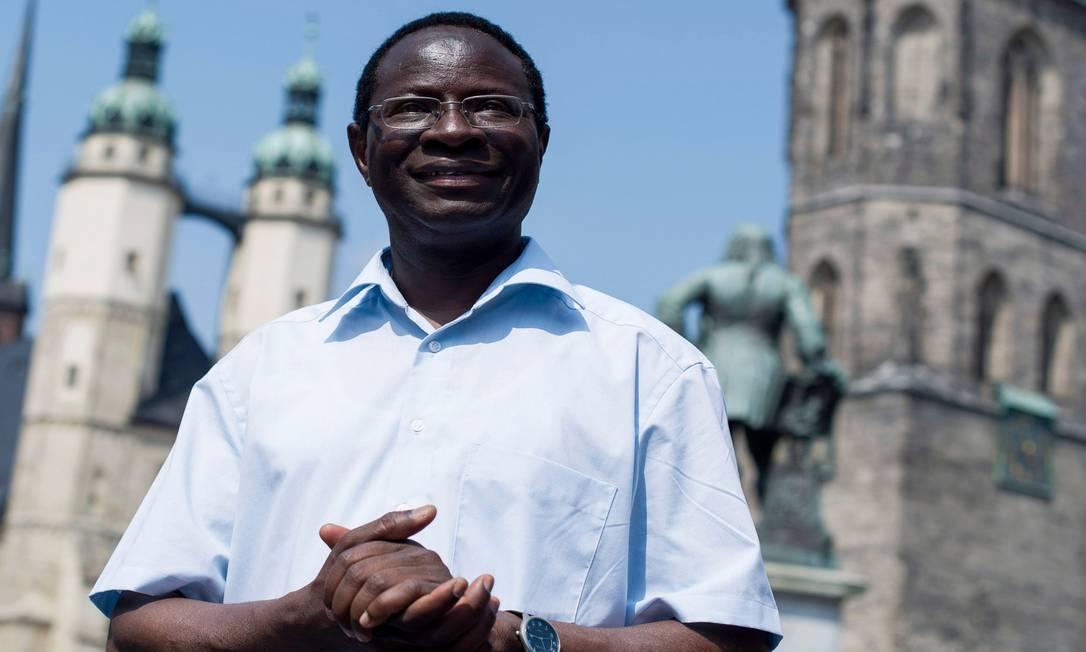 """Projeto de lei. O deputado Karamba Diaby faz parte da comissão que apresentou a proposta de """"imigração controlada"""" Foto: Jens Schlueter/Getty Images"""