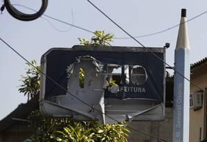 Conceito baixo. Na Escola Municipal General Osório, em Coelho Neto, o letreiro da prefeitura é o primeiro sinal de descaso com a rede pública de ensino: inspeção do TCU diz que mais da metade das unidades está em situação precária Foto: O GLOBO / Antonio Scorza